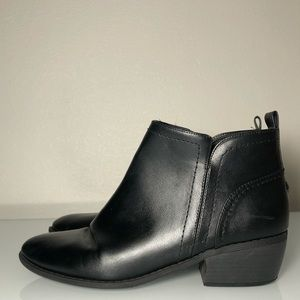 Guess booties women's size 9.5 black leather